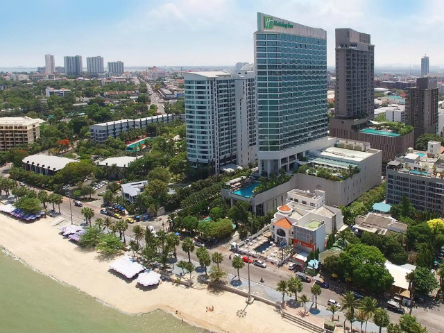 ホリデイ イン パタヤ (Holiday Inn Pattaya)