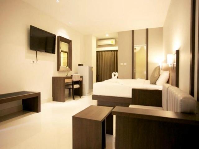 パタヤのホテル エイプリル スイーツ (April Suites Pattaya) パタヤ中心部
