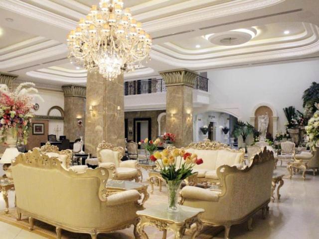 パタヤのホテル LK ザ エンプレス (LK The Empress) パタヤビーチロード