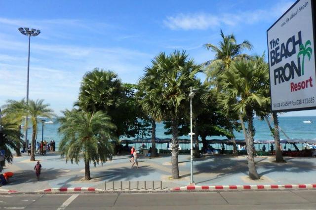 パタヤのホテル ザ ビーチ フロント リゾート (The Beach Front Resort) パタヤビーチロード