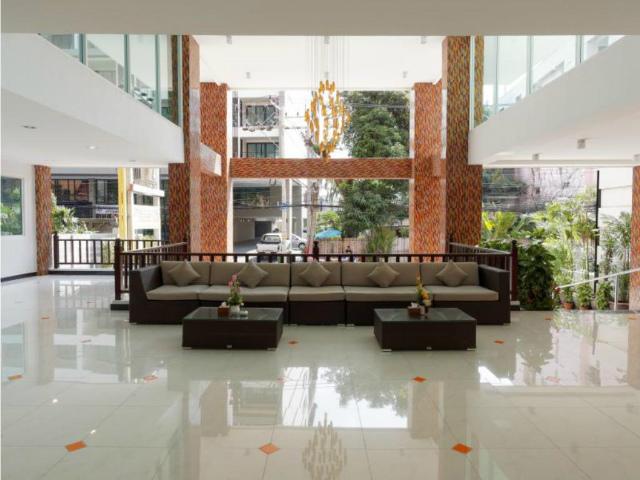 パタヤのホテル パタヤ ブルー スカイ (Pattaya Blue Sky) パタヤビーチロード