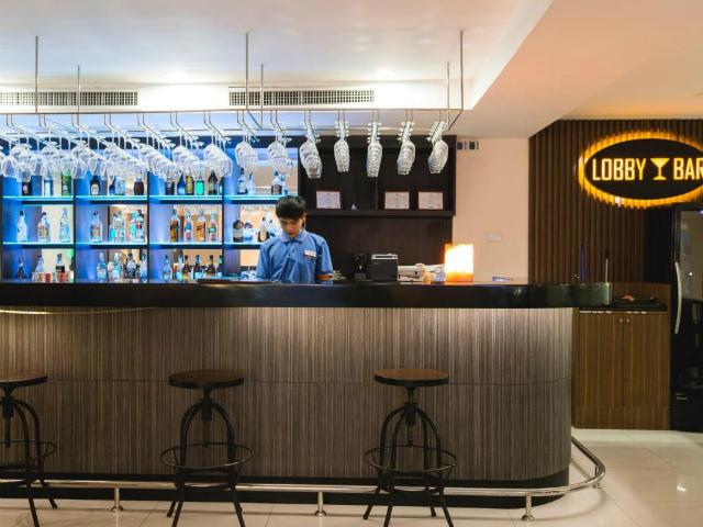 パタヤのホテル アデルフィ パタヤ ホテル (Adelphi Pattaya Hotel) パタヤ中心部