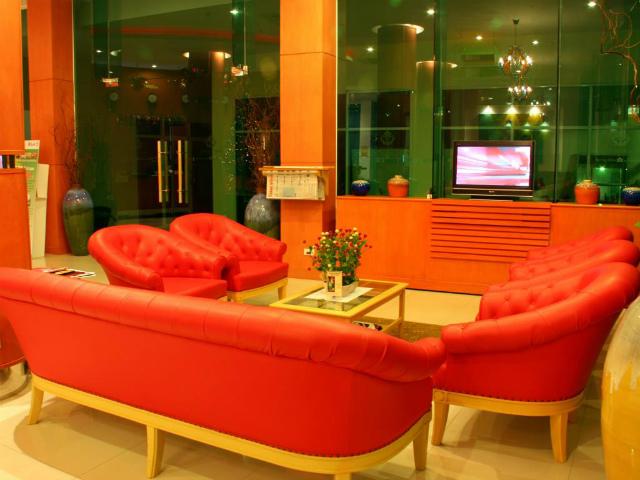 パタヤのホテル バロン ビーチ ホテル (Baron Beach Hotel) パタヤビーチロード
