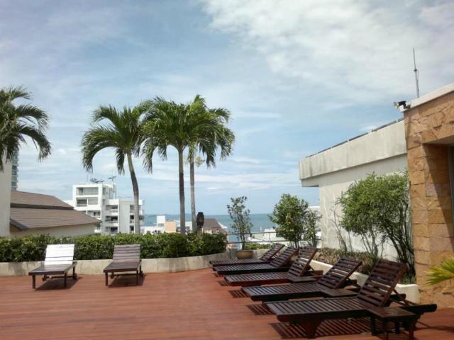 パタヤのホテル サンシャイン ビスタ ホテル (Sunshine Vista Hotel) パタヤビーチロード