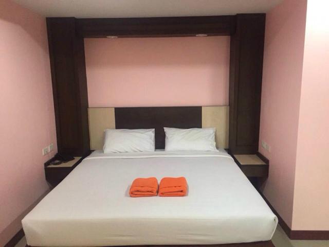 パタヤのホテル AA パタヤ ヴィレ ホテル (AA Pattaya Ville Hotel) パタヤ中心部