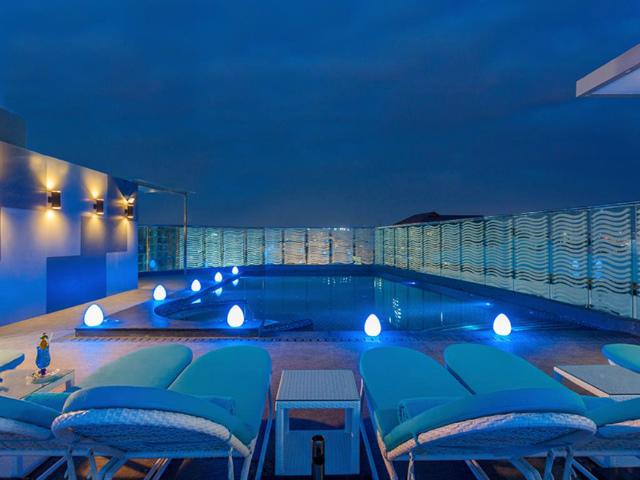 パタヤのホテル セントラ バイ センタラ アベニュー ホテル パタヤ (Centra by Centara Avenue Hotel Pattaya) パタヤ中心部
