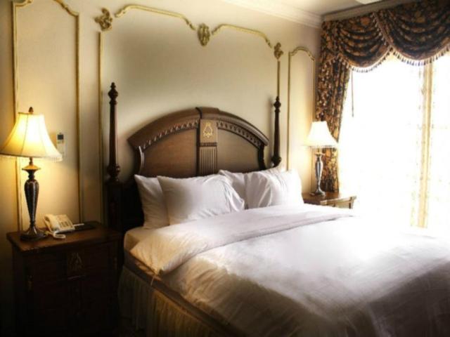 パタヤのホテル フォー シーズンズ プレイス ホテル (Four Seasons Place Hotel) パタヤ南部